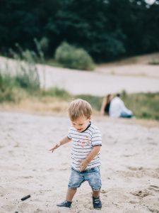 Gezinsfotografie in Zeist Driebergen in het bos (kinderfotograaf Utrecht) Gezinsfotoshoot Moniek van Selm