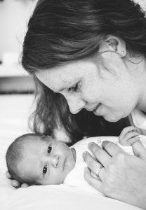 Newborn-fotoshoot-Newbornfotografie-Nieuwegein-Utrecht-Lifestyle-geboortekaartje-www.moniekvanselmfotografie-47.jpg