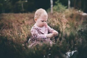 Babyfotografie-kinderfotograaf-lifestyle-spontaan-heide-utrecht-Soest-Hilversum-Moniek-van-Selm-Fotografie-www.moniekvanselmfotografie.nl