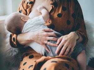 Gezinsfotoshoot-day in the life (documentaire lifestyle fotografie) in Maarssen (Utrecht) Moniek van Selm Familiefotografie www.moniekvanselmfotografie.nl
